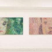 こもりぬま(左) こくうのむれ(右) 2012 綿布に木版画コラージュ、アクリル、メディウムなど 90×180cm