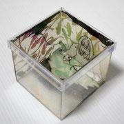 つくろいのじかん 2011 アクリルケースに木版画コラージュ 12×12×11cm