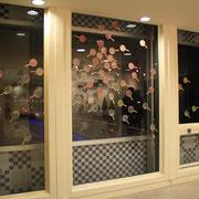 と き は の は な  2012 木版画、ポイ、透明塗料、雁皮紙 インスタレーション
