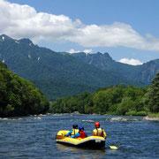 空知川と夕張山地