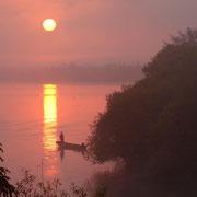 江別市 石狩川の夜明け