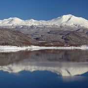 東川町 静寂の忠別湖