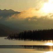 夕張シューパロダム湖の朝