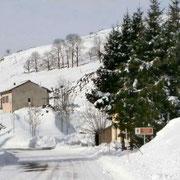 Saint-Cirgues-en-Montagne sous la neige