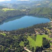 Le Lac d'Issarlès en Ardèche