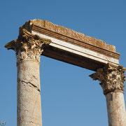 Säulen mit Fries des Aphrodite-Tempels