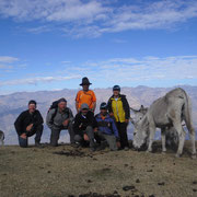 Gruppenbild, im Hintergrund die Cordillera Negra