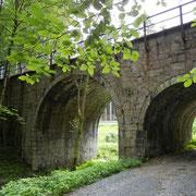 ehemalige Eisenbahnbrücke in der Ortslage Bergen (Radweg Falkenstein-Oelsnitz)