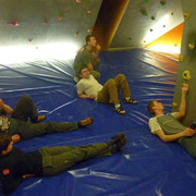 die neuen Boulderprobleme schaffen uns ganz schön...