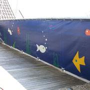 Anfertigung einer Balkonverkleidung mit individuellem Muster (hier war der Wunsch der Kundin ein Aquarium...)