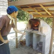 手作りの石窯