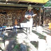 夏祭での森のウクレレ教室
