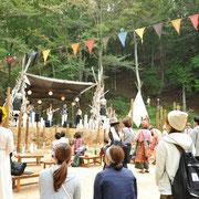 キャンプ場での貸切結婚パーティ