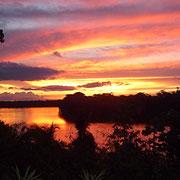 Sonnenuntergang am Lago Sandoval