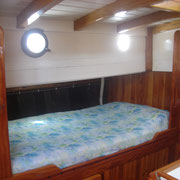 double berth, portside middle cabin