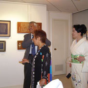 画廊オーナーMikoさん(中央)とハリウッド映画さゆりで着物を担当された芥川さん(右側)