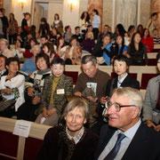 エルミタージュ劇場式典参加の仏画グループ