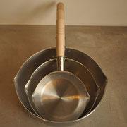 雪平鍋 アルミ 26cm ¥6,372- 20cm ¥2,970- 15cm ¥2,214-(各税込み)
