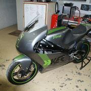 HKER First  pré-série sur base de Yamaha YZF 125 R.