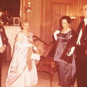 Onésime Gagnon (lieutenant-général du Québec) reçoit Charles de Gaulle (président de la République française) à sa résidence officielle du Bois-de-Coulonge.