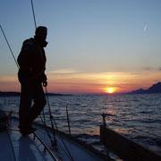 spektakulärer Sonnenuntergang auf See