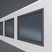 Isopanell mit eckigen Fenstereinsätzen
