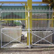 portail ancien fer forgé (n° 9)   370L x 245HT