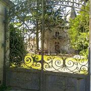 Portail ancien de château