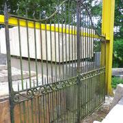 portail ancien fer forgé (n° 21)    300L x 200/230HT