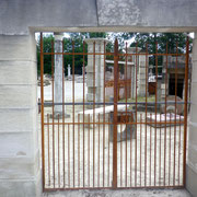 portail ancien fer forgé et piliers en pierre massive n° 22