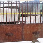 Portail ancien (n° 5)    320L x 260HT