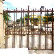portail ancien fer forgé et piliers en pierre naturelle n° 23