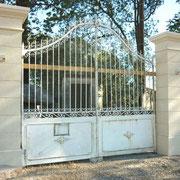 portail ancien fer forgé et piliers en pierre massive n° 14