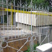 Portail ancien (n° 1)