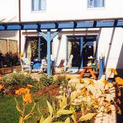 Ein Terrassendach fügt sich passgenau in Ihr Grundstück