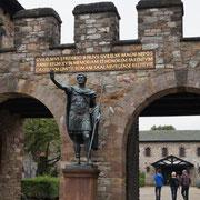 Das Eingangstor zur Saalburg
