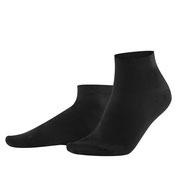 Sneakersokken Curt in 98% bio-katoen met 2% elastaan, per 2 paar verpakt, zwart, Living Crafts, beschikbaar in de maten 39-42 en 43-46, prijs: 9,99 €