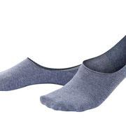 Voetjes Iker in 86% bio-katoen met 12% polyamide en 2% elastaan, per 2 paar verpakt, grijsblauw, Living Crafts, beschikbaar in de maten 39-42 en 43-46, prijs: 9,99 €