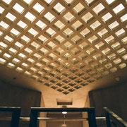 イエール大学アートギャラリー 階段室天井