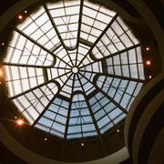 フランク・ロイド・ライト設計 グッケンハイム美術館トップライト 美しい!