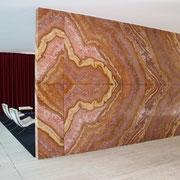 内部壁 ミースは石屋の息子 大胆で特徴的な図柄の選択