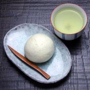 Fuku-Fuku Manju + Sencha