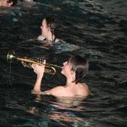 ....gibt es im Wasser!