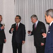 遠藤事務局長による乾杯