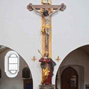 Kruzifix an der südlichen Langhauswand