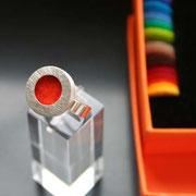 zilveren ring met 35 kleuren vilt (verwisselbaar) €75,-