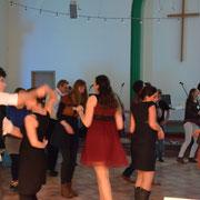 Die Tanzfläche wird großflächig genutzt
