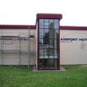 Fassadenmalerei Erfurter Flughafen