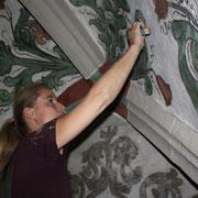 Restaurierung im Deckengewölbe der Stadtkirche in Göppingen