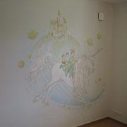 Wandmalerei mit Silbereffekten